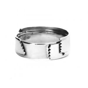 L'OUBLI II ring